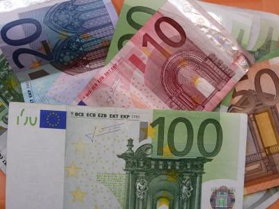 Bargeld, Euro, Finanzen